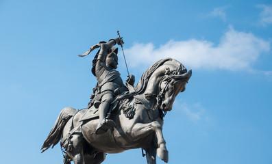 statue of emanuele filiberto in Turin