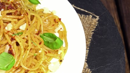 Spaghetti and Tomato Pesto (loopable)
