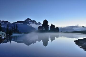 Elfin Lake early dawn