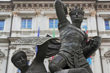 Statue devant la Mairie de Turin