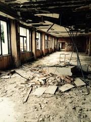 Hall d'hôtel abandonné