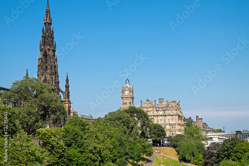 canvas print picture Scott Monument and old building