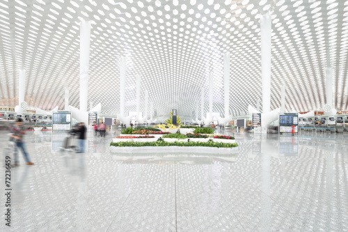 airport center hall - 72236459