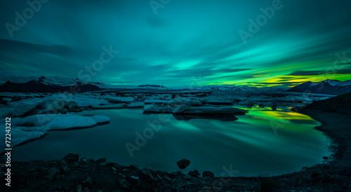 Leinwandbild Motiv Jökulsárlón - Bucht mit Eisbergen - Gletscher