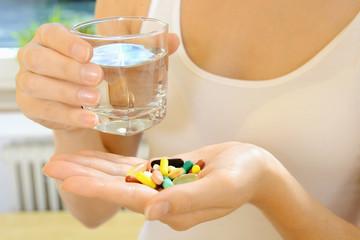 Einnahme von Pillen, Kapseln und Tabletten