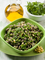 integral pasta with arugula pesto