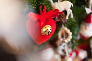 Cuore decorativo in tessuto rosso per feste Natale