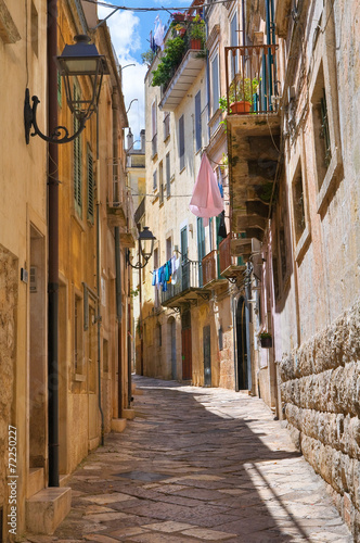 Alleyway. Altamura. Puglia. Italy. - 72250227