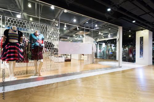 clothing fashion shop exhibition window - 72251273