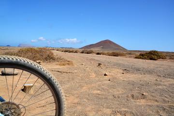 excursion en bicicleta por la isla graciosa