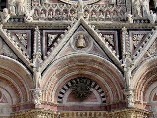 Catedral de Siena - Vista parcial del frente