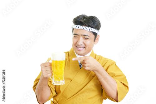 canvas print picture ビールを持つ笑顔のウェイター