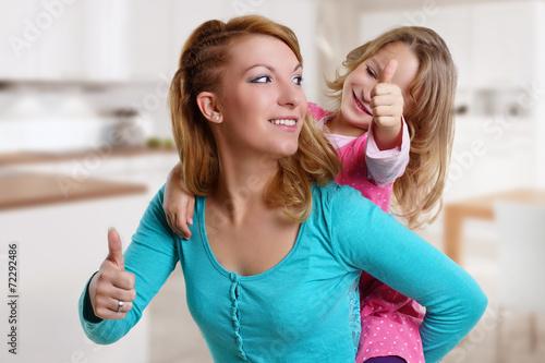 canvas print picture Frau hat Spaß mit ihrer Tochter