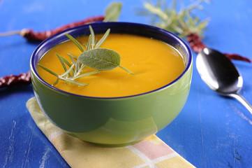 A bowl of pumkin soup