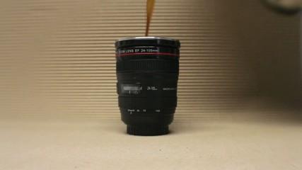 Obiettivo fotografico diventa una tazzina di caffè