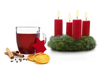 Glühwein mit Adventskranz