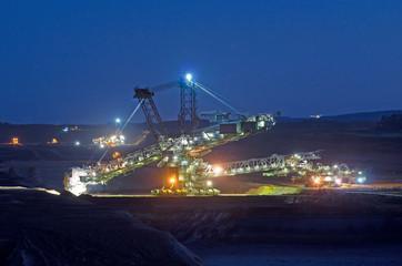 Tagebau bei Dämmerung