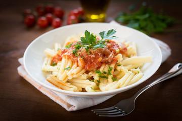 Strozzapreti con salsa di pomodoro, italian pasta