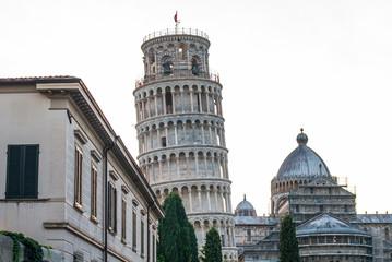 Torre pendente di Pisa e Duomo, palazzi