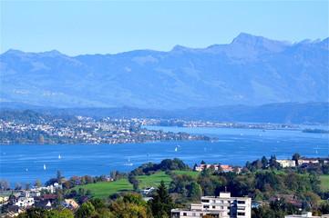 Blick über Zürichsee von Horgen bis Rapperswil