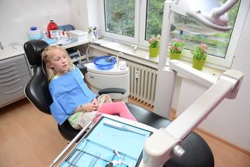 Kind bei der Zahnbehandlung, Prophylaxe