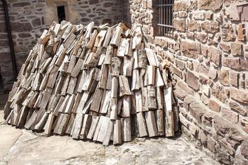 Pila de madera para hacer fuego