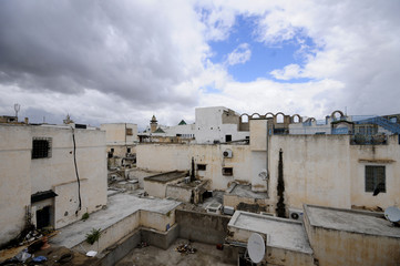 Tunis and poor roofs