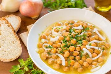 Zuppa di ceci e cipolle