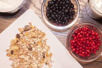 Blueberry, lingonberry and muesli