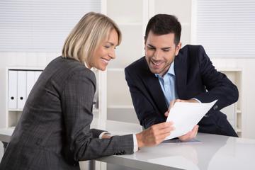 Erfolgreiche Zusammenarbeit oder Kunde und Berater