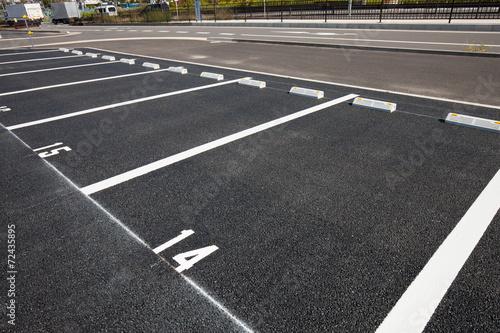 屋外の平置き駐車場