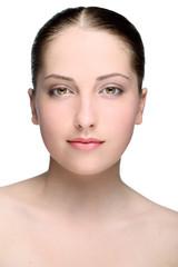 Портрет молодой девушки без косметики