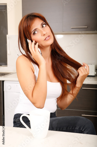 canvas print picture Telefonflirt in der Küche