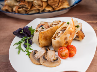 pancakes stuffed with chicken and mushrooms