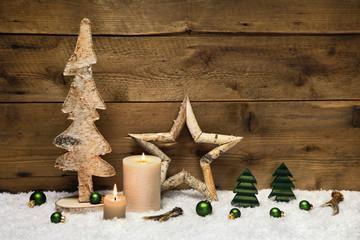Holz: Natürlich Weihnachtsdekoration mit zwei Kerzen als Karte