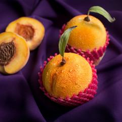 Cake-like apricot