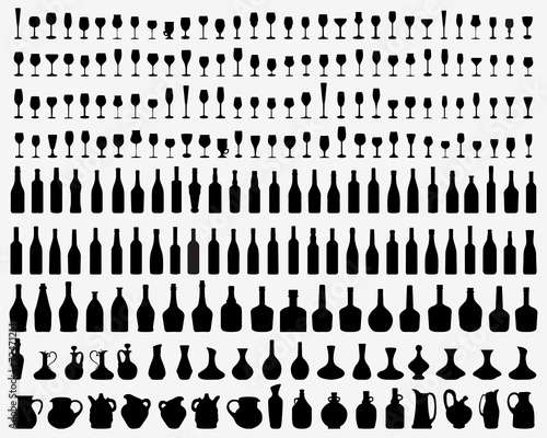 Black silhouettes of glasses and bottles of wine, vector - 72471214