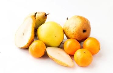 Fresh, juicy apples, tangerines and pears