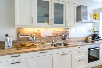 Küchenzeile in Landhausküche