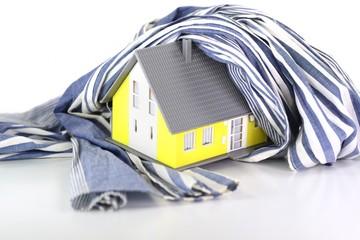 Wärmedämmung am Haus mit Schal