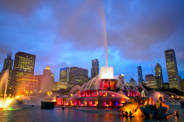 Chicago skyline and Buckingham Fountain at night, USA