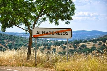 Almadenejos, Ciudad Real, cartel de salida de un pueblo