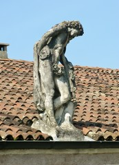 Statue on the outbuilding of the villa Rotonda near Vicenza