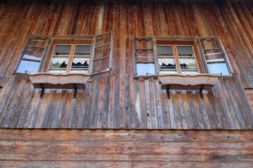 Fenster altes Holzhaus