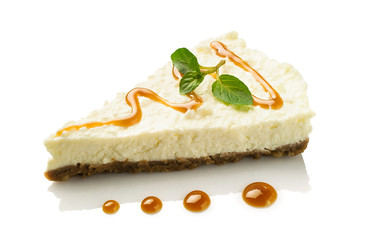 cheesecake with caramel and mint