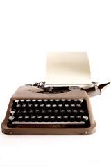 Schreibmaschine und Briefbogen Farbbanddeckel ist offen