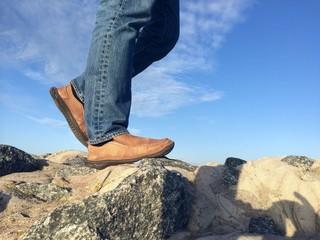 auf Felsen laufen