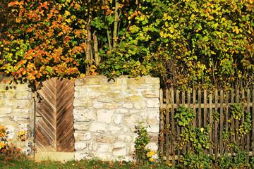Altes Holztor in Steinmauer