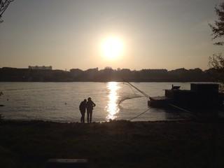 liebespaar an der Donau