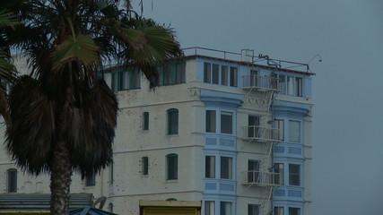 Venice Beach Apartment, Close